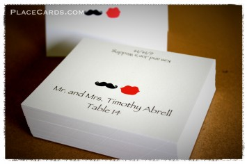 Fun and whimsical mustache & lips placecards.